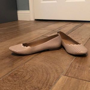 Nude colored flats size 6 1/2